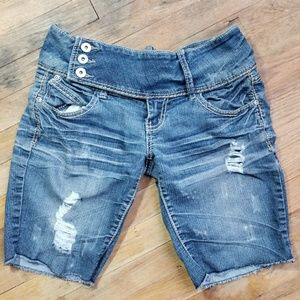Rue21 shorts distressed Bermuda length junior 3/4